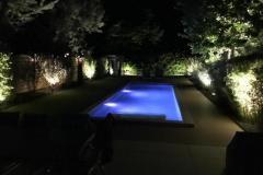 Beleuchteter-Garten-und-Biopool-2