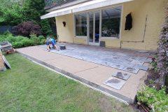 Verlegung-Natursteinplatten-2-scaled